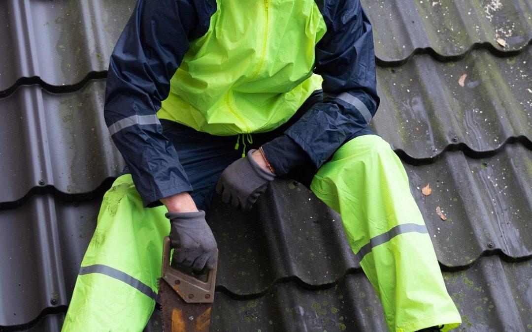 Dakbedekking zelf aanleggen of een dakdekker inhuren?